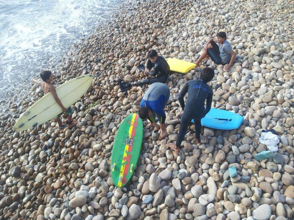 Surf en Perú, faro de Pacasmayo