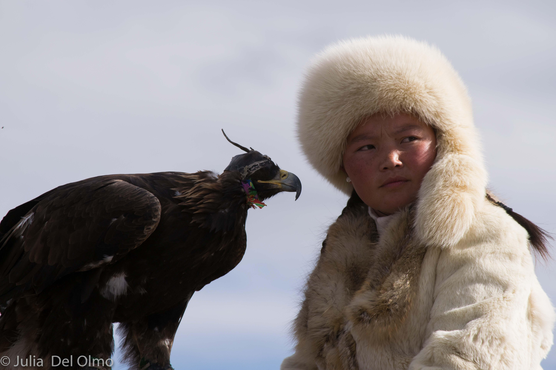 cazadora y su águila