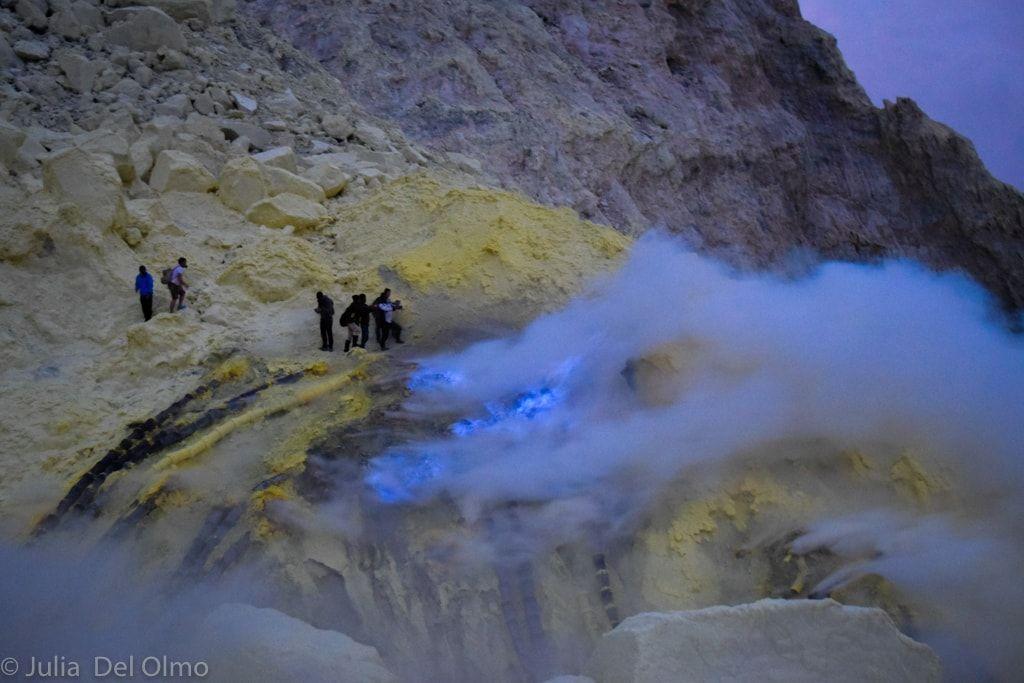 Fuego azul - Viajar a Indonesia